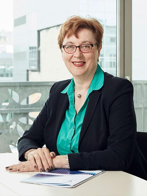 Leonore Gewessler, BA